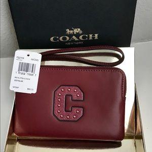 NWT Bxd Coach Crn Zip Wristlet/Gltr Patch/Crimson